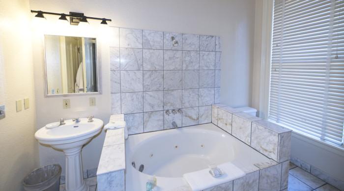 Carter bathroom